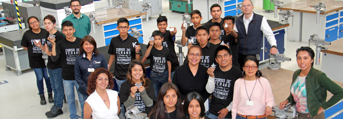 Volkswagen de México impartió un curso de verano técnico para jóvenes de casas hogar del Estado de Puebla