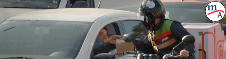 Traffic Whopper, la hamburguesa que se entrega en tu auto, en medio del tráfico