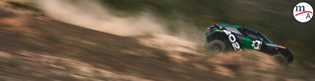 Lewis Hamilton presentó a su equipo de carreras, el X44