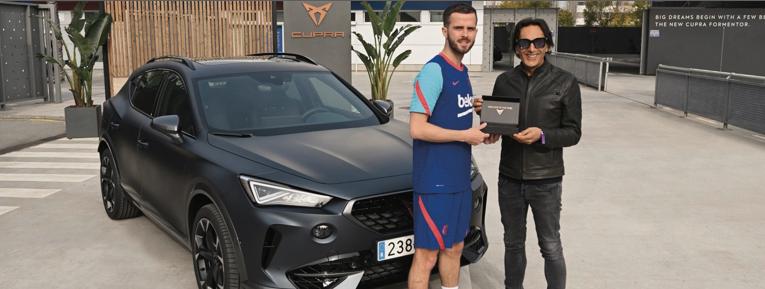 Galería: Los jugadores del Barsa recibieron sus CUPRAs