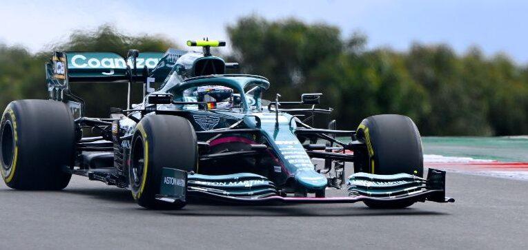 ¡Vettel en el top ten de Portugal GP!