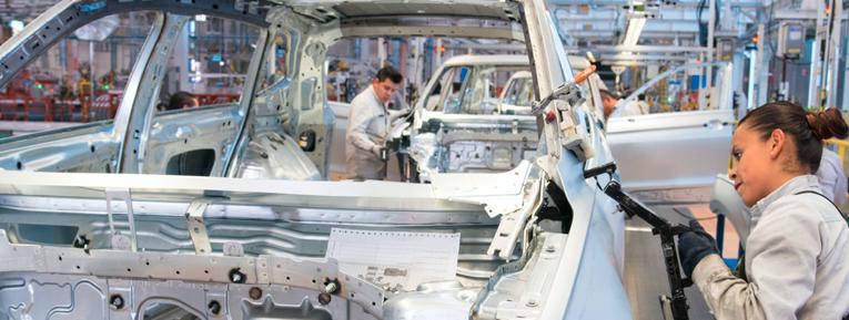 En Puebla, creció producción y empleo de la industria manufacturera