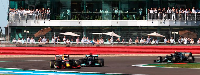 Verstappen reclama el Sprint inaugural de la F1 en Silverstone