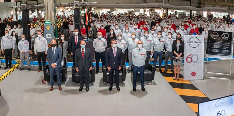 Placa conmemorativa del 60 aniversario de Nissan Mexicana