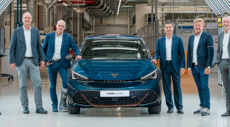 Comenzó la producción en serie del primer auto 100% eléctrico de CUPRA